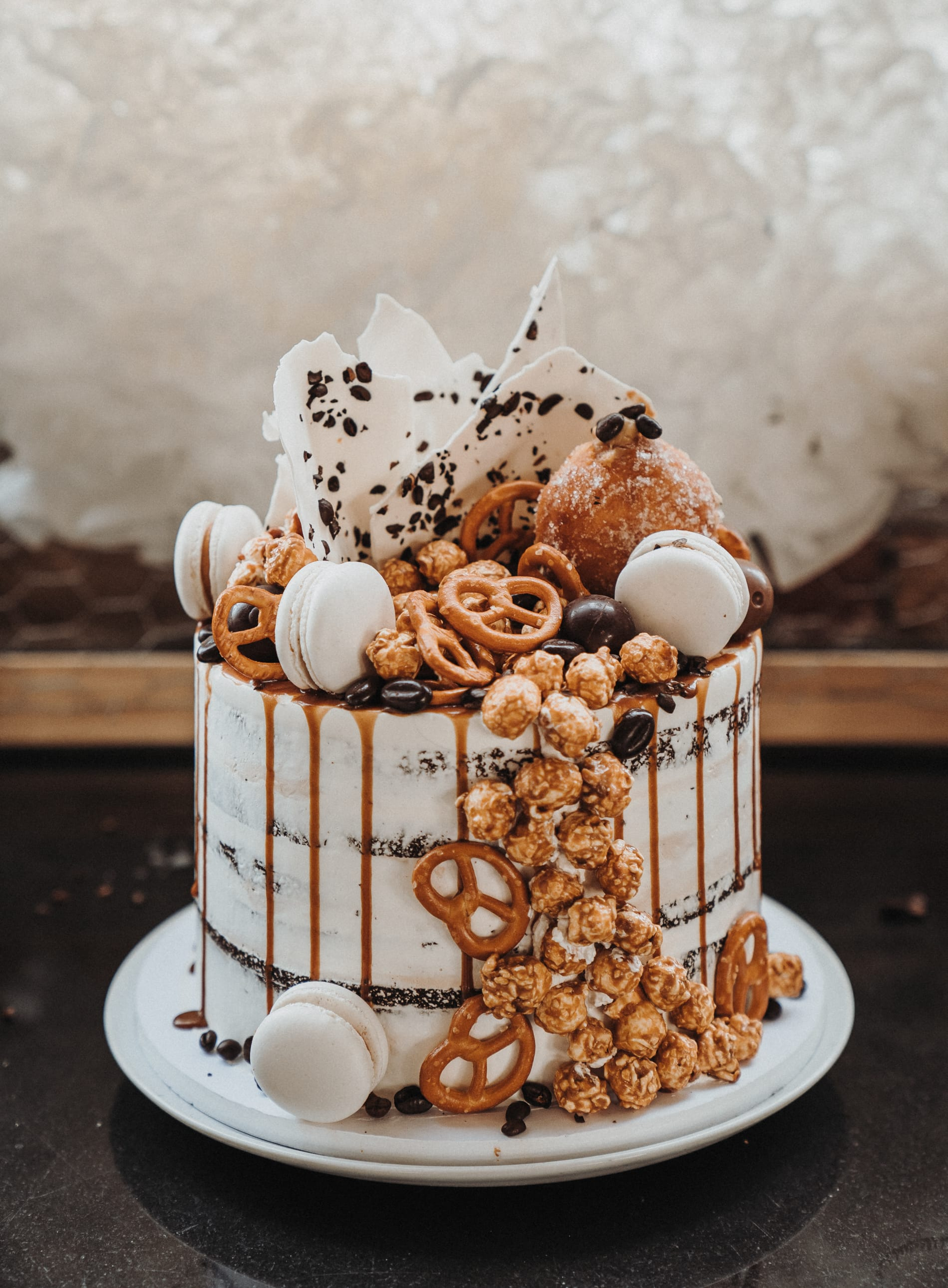 Hochzeitstorte_naked_cake_drip_cake_02