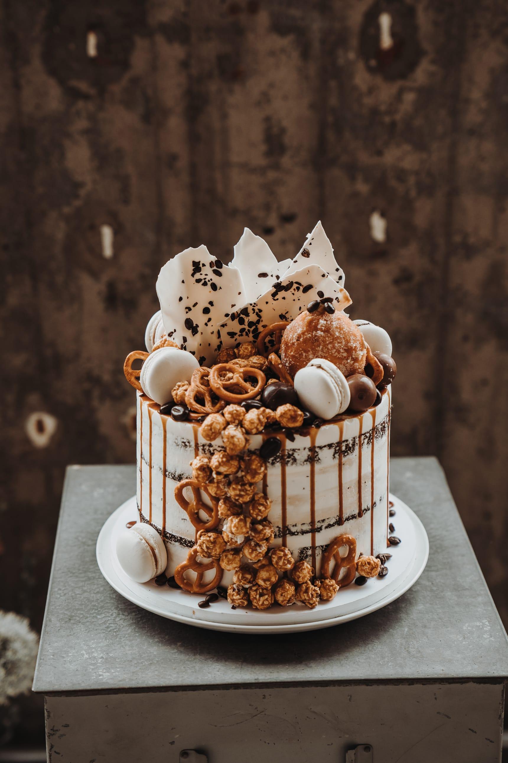 Hochzeitstorte_naked_cake_drip_cake_03