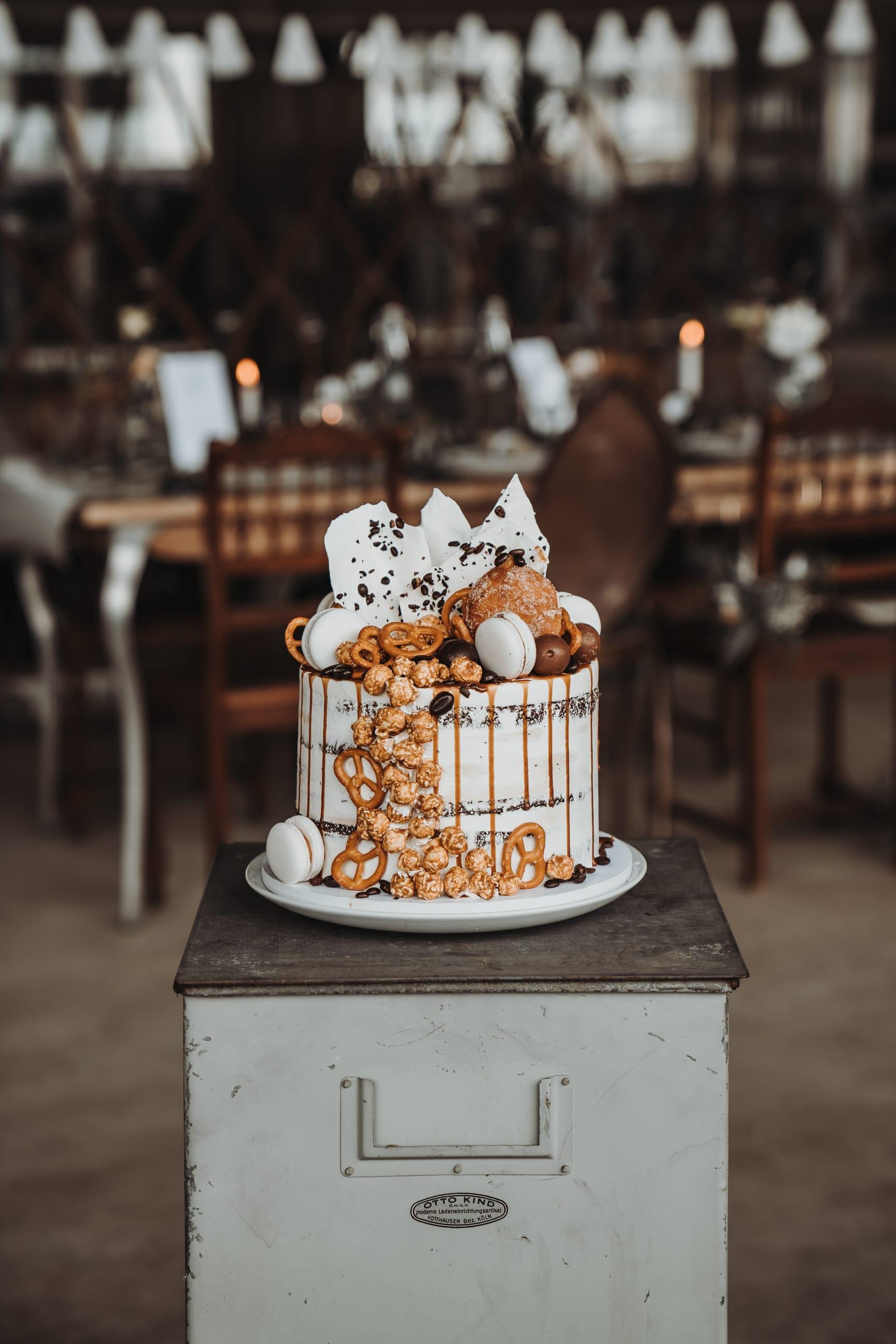 Hochzeitstorte_naked_cake_drip_cake_04