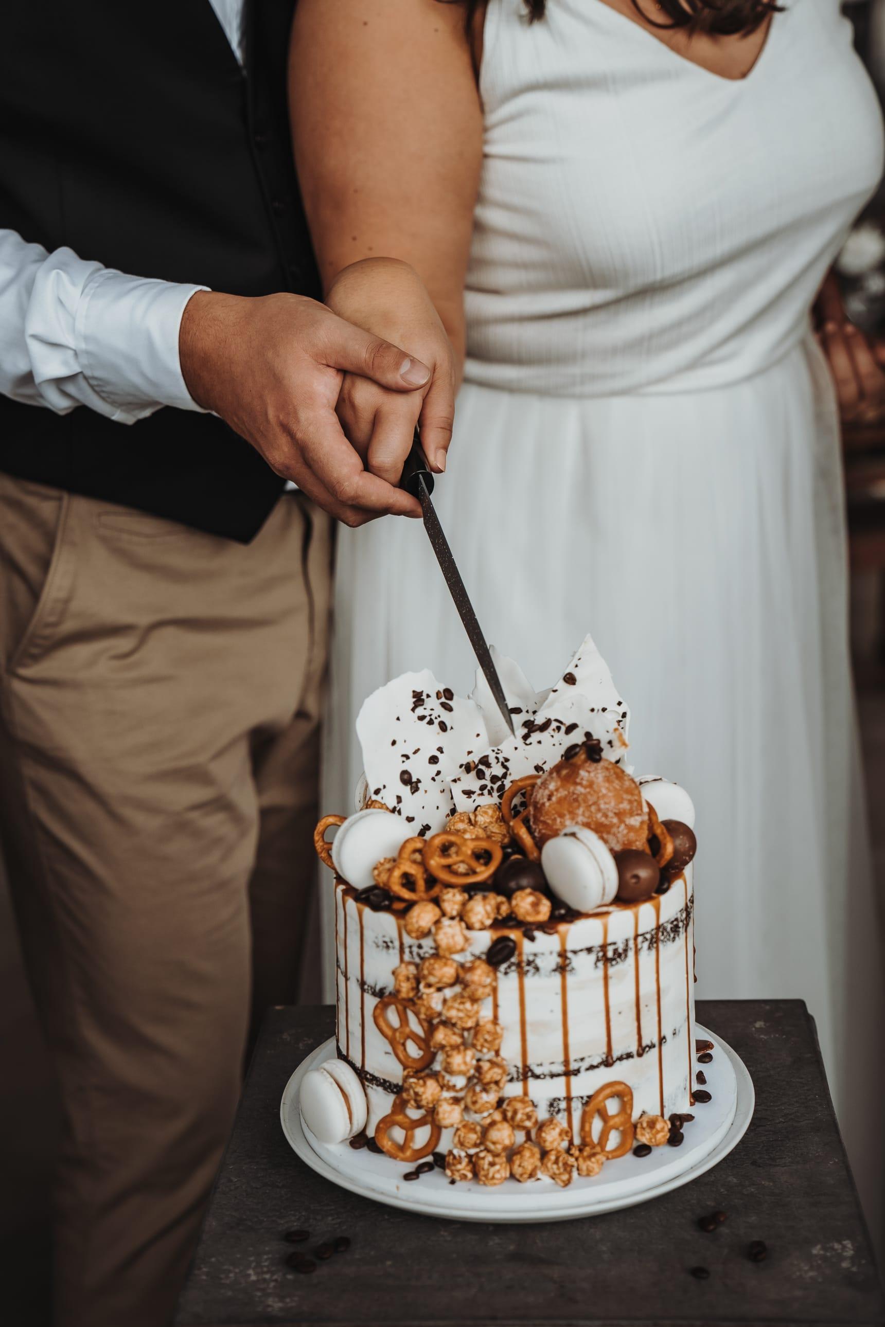 Hochzeitstorte_naked_cake_drip_cake_07