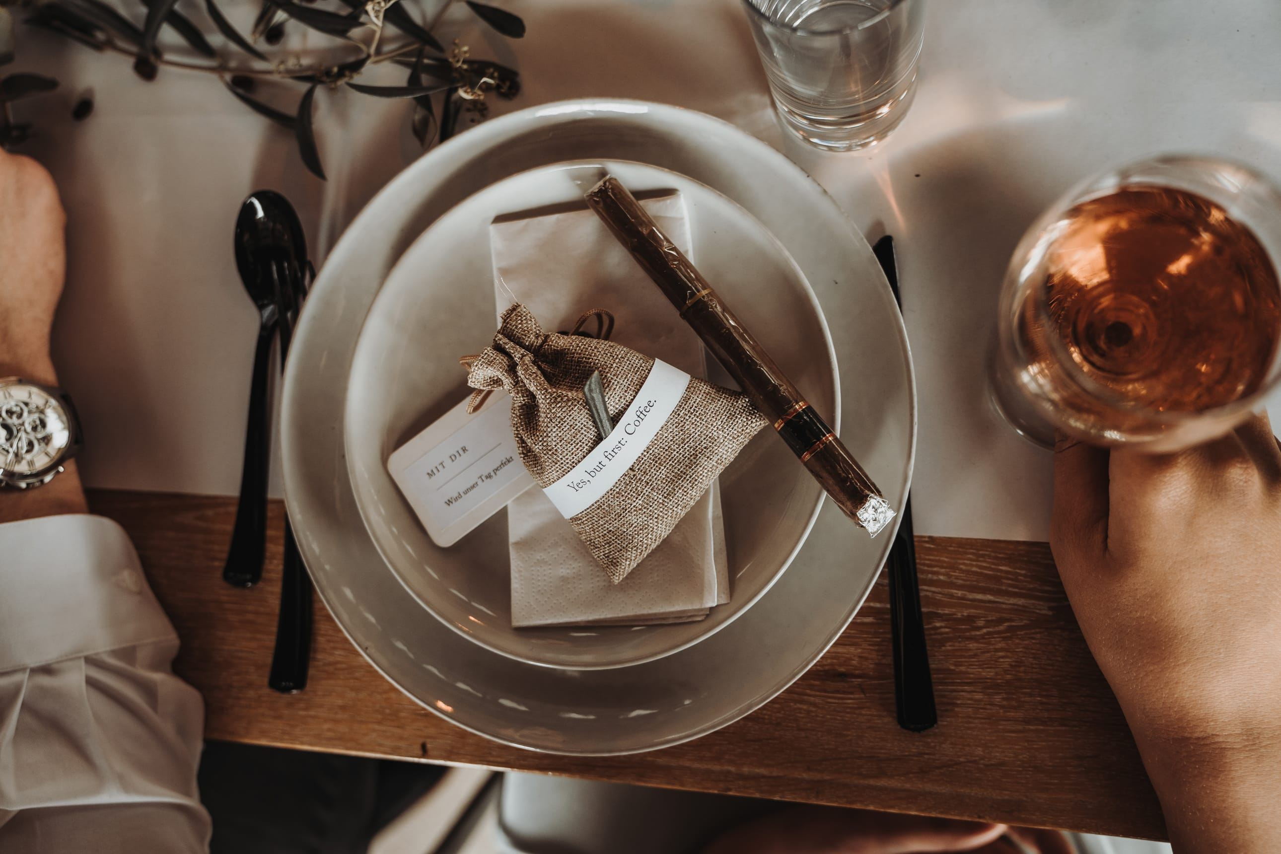 Tischdeko_Ideen_für_die_Hochzeit_mit_Kaffee_03
